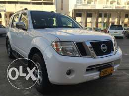 Well maintained Nissan Pathfinder 2012 for immediate sale.