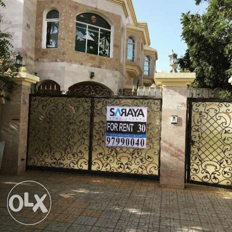 new villa for rent in alqurom in pdo street مسقط -  1