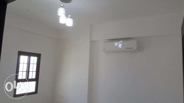 Flat for rent in mazon street 2bhk for 255 ro AH107