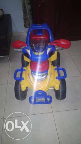 Children Car, Battery Operated. Very Good Condition. مسقط -  2