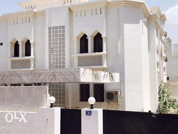 J1-Amazing 4BHK+1maid villa at Madinat Qaboos Open Arab University