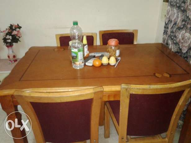 Dinning Table, 4 Seater Sofa, Double Bed Room Set along with 2 Mattres مسقط -  2