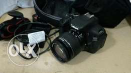 dslr camera canon 600D like new for good price