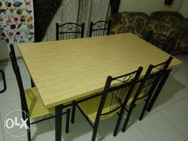 Dining table with six chairs مسقط -  1