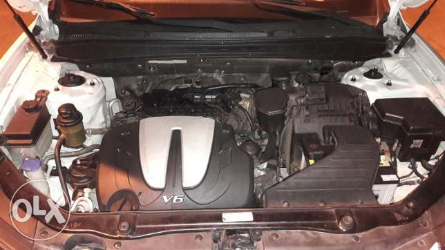 Hyundai Santa fi in Good Condition السيب -  5