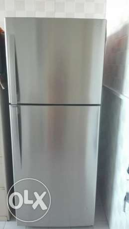 470 liter Daewoo refrigerator for sale just 8 months old