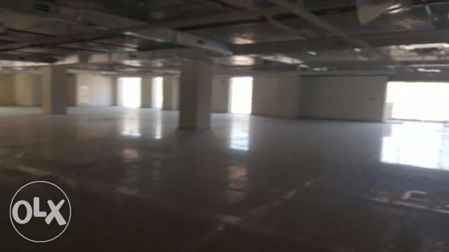 big Showroom for Rent in Qurum