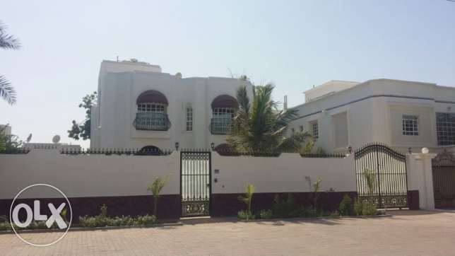 Ghubrah Single House with Garden inside 5 BHK+ Maids+ Parking
