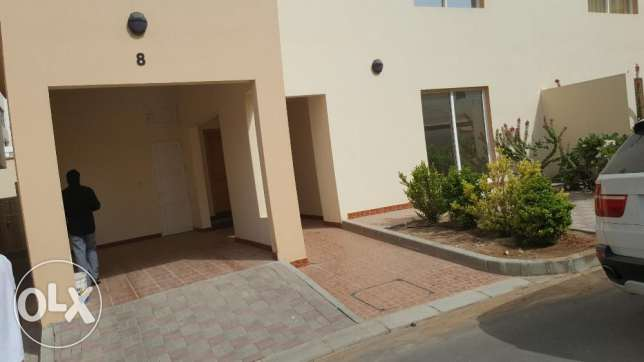 villa for rent in a coumpound al mouna 5 bhk بوشر -  2