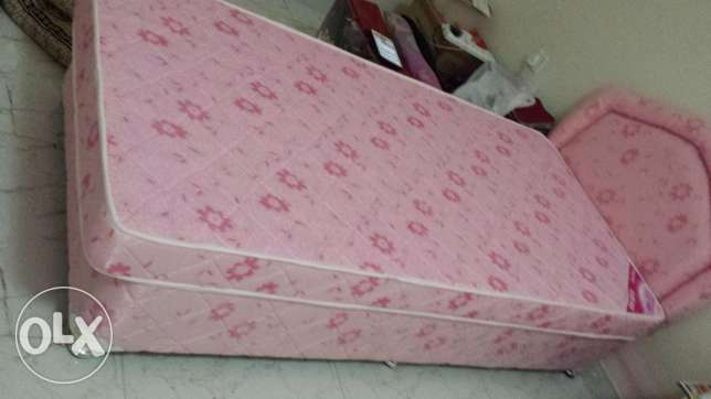single strong excellent bed with mattress only 35 (5month old) مسقط -  1