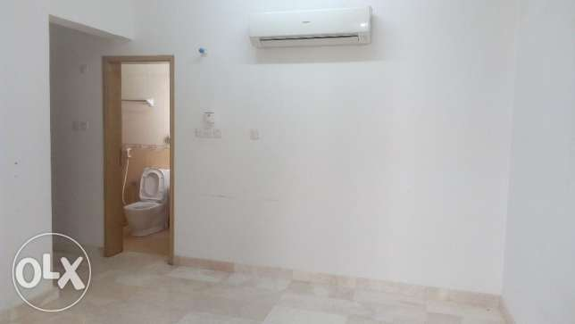 Room near Grand Mall- Alkhuwair
