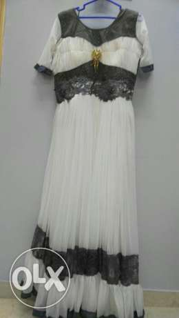 White long gown, never used. Looks good more than in picture
