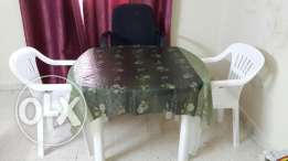 Round type small plastic dining table with 3chairs