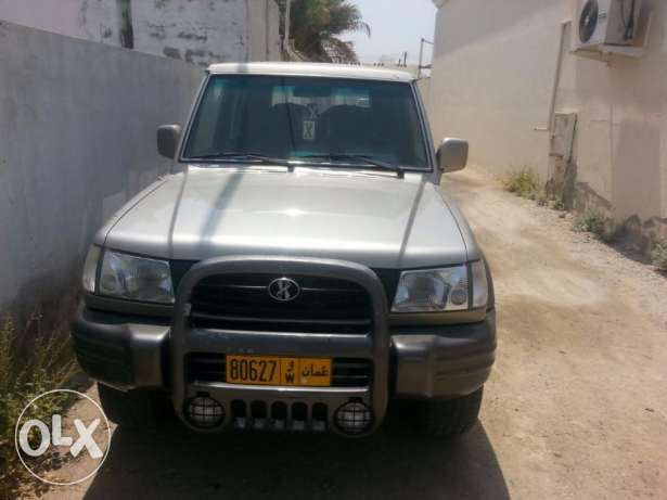 Hyundai Galloper - 4 wheel drive and very clean, everything is working العامرّات -  1