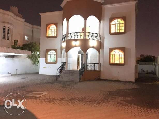 separet villa for rent in al mawaleh south 400 sq