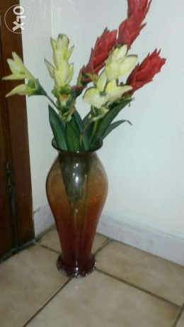 Tall mosaic finish vase 16 inches tall with flowers ro 7.5 مسقط -  1