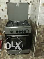 Oven with gas cylinder for sale in an excellent conditin