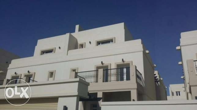 New 4+Maid Line Villas in Athaiba! Low Price! مسقط -  1