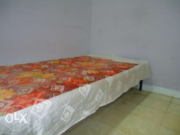 Exp Leaving - Single cot for sale - Hurry up. صحار -  1