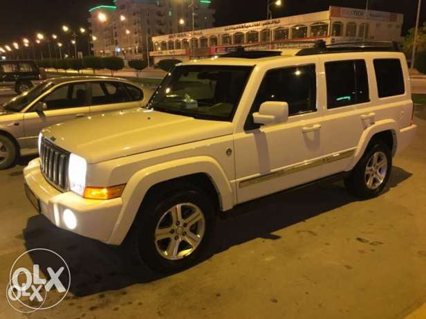 JEEP COMMANDER-2010-8 cylinder 7Seats, Excellent Condition 4.7L