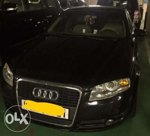 Black Audi A4 2.0 in excellent condition