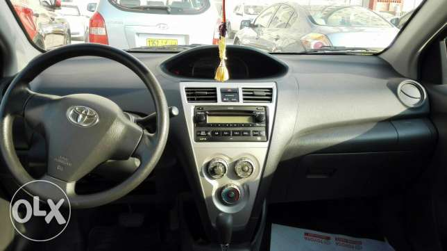 TOYOTA YARIS 1500CC Model 2010 مسقط -  2