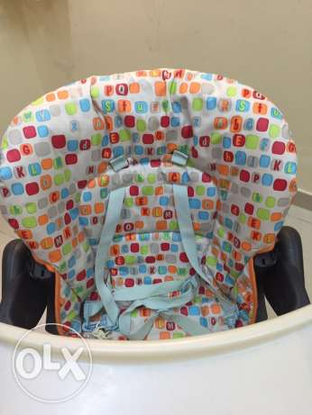 CHICCO baby high chair never used with Box