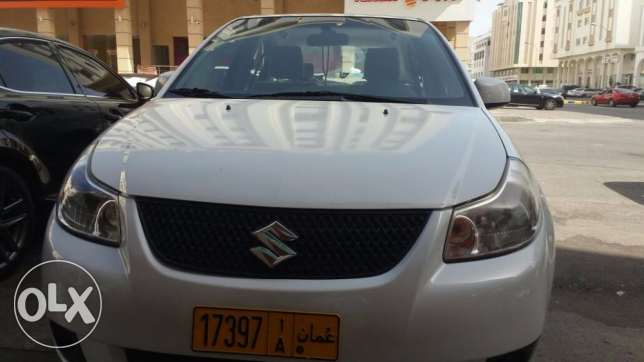 SX4 Saloon Car in excellent condition 2013 Model