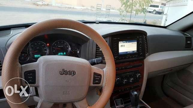 Grand Cherokee in exceptional condition السيب -  3