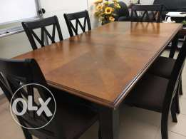 Excellent condition Wooden table with 6 chairs