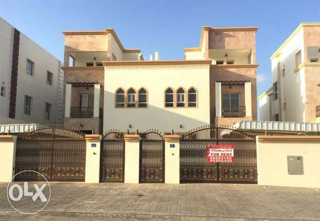 Villa for rent in alkhoudh 7