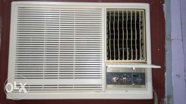 1.5 ton General AC Very Good Candtion
