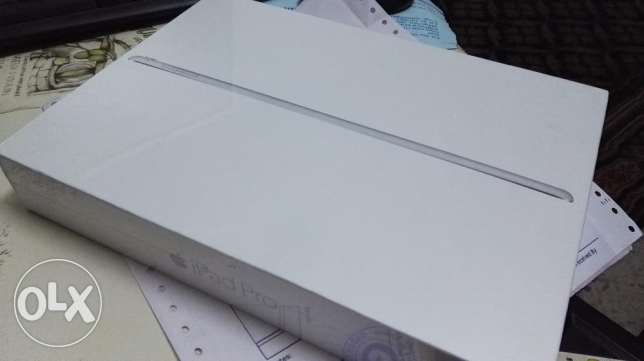 "Brand New Apple iPad Pro 9.7"" 32GB/ 4G WiFi + Cellular (Silver) بركاء -  3"