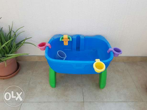 Step 2 water play table السيب -  1