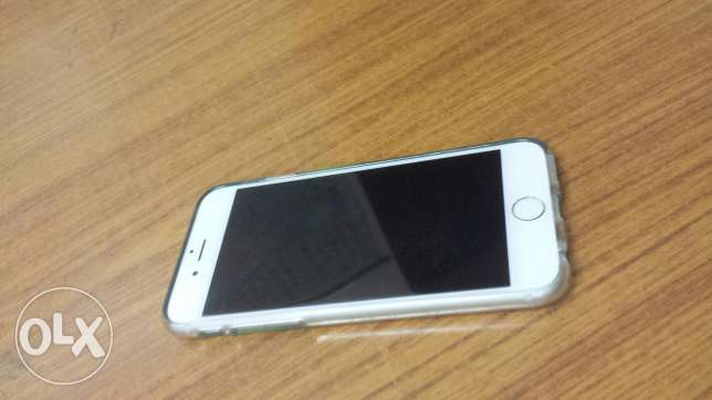 Iphone 6 64gb with 4months MI store warrenty remaining