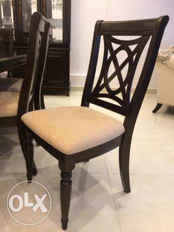 8 Seater Dinning Table with Buffet (Solid Wood) مسقط -  5