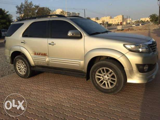 Toyota Fortuner 2013 (4.0) GCC Car (Exclusive Edition) مسقط -  1
