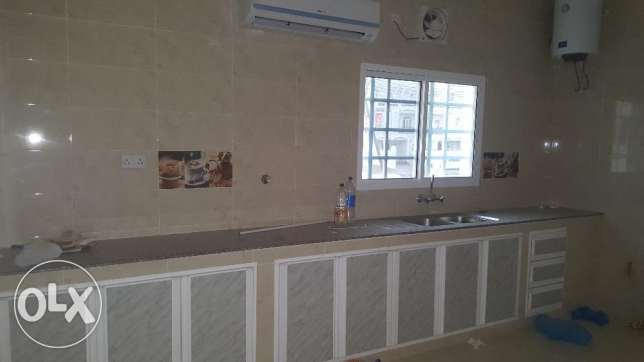 w1 Brand new villa for rent in al ozaiba behind automatic بوشر -  4