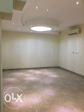 Spacious villa in Hail North الحيل الجنوبية -  4