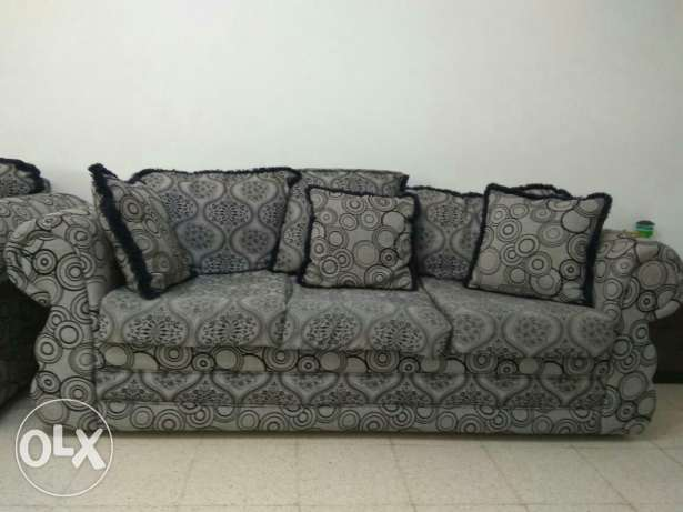 Sofa set 3+2+1 (Muttrah) مسقط -  1