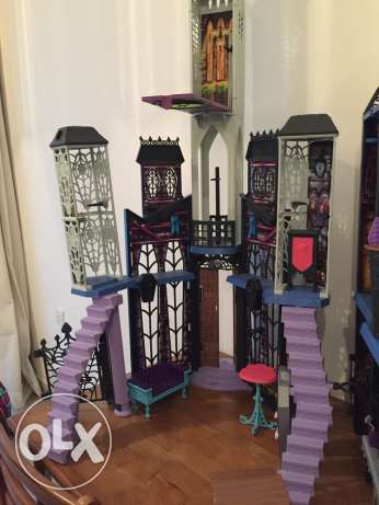 Monster High Deadlux High School Play Set مسقط -  5
