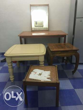 Big Table with 3side tables two chairs and a mirror in good condition. صلالة -  2