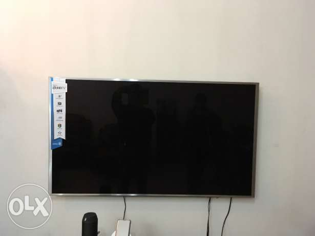 UHD Television samsung just 3 months old