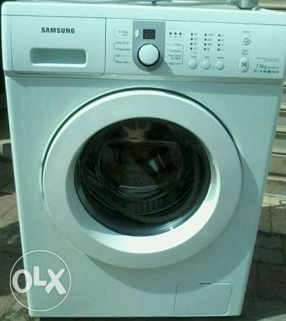 1 year used in very gud condition Samsung auto washer 7 kgs omr 70