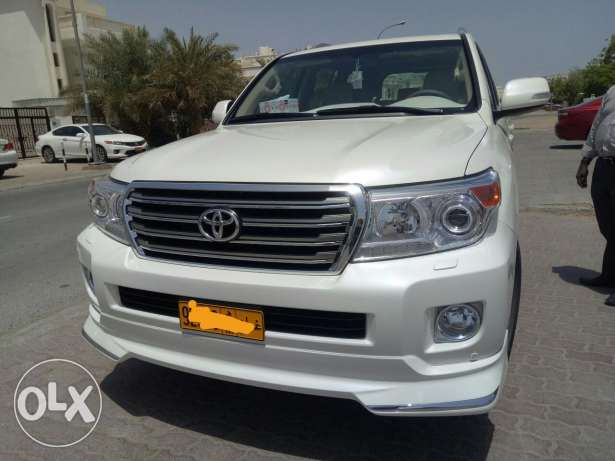 Toyota Land cruiser GXR 2015,services history available in Saud Bahwan