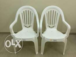 2 new plastic chairs