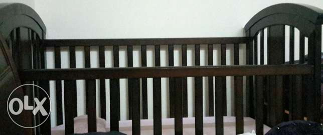 Crib & bed -as good as new مسقط -  1