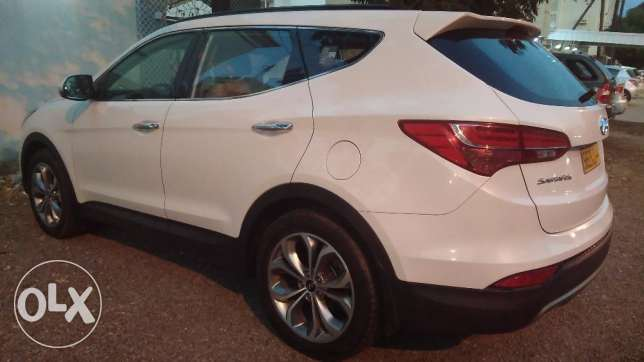 Full Option No 1 Hyundai Santafe for sale.