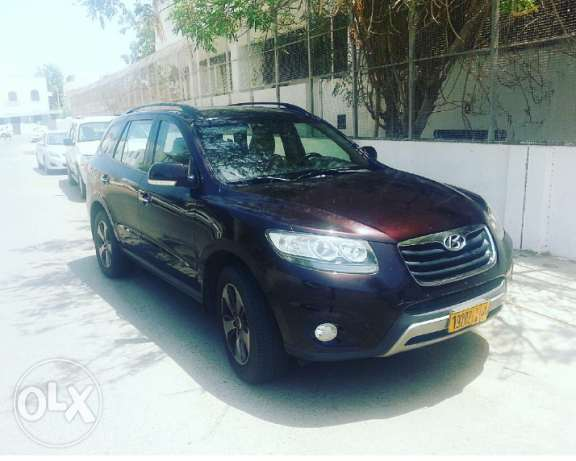HYUNDAI Santa Fe 2011 in good condition for sale