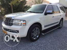 Lincoln Navigator 2007 nice and clean